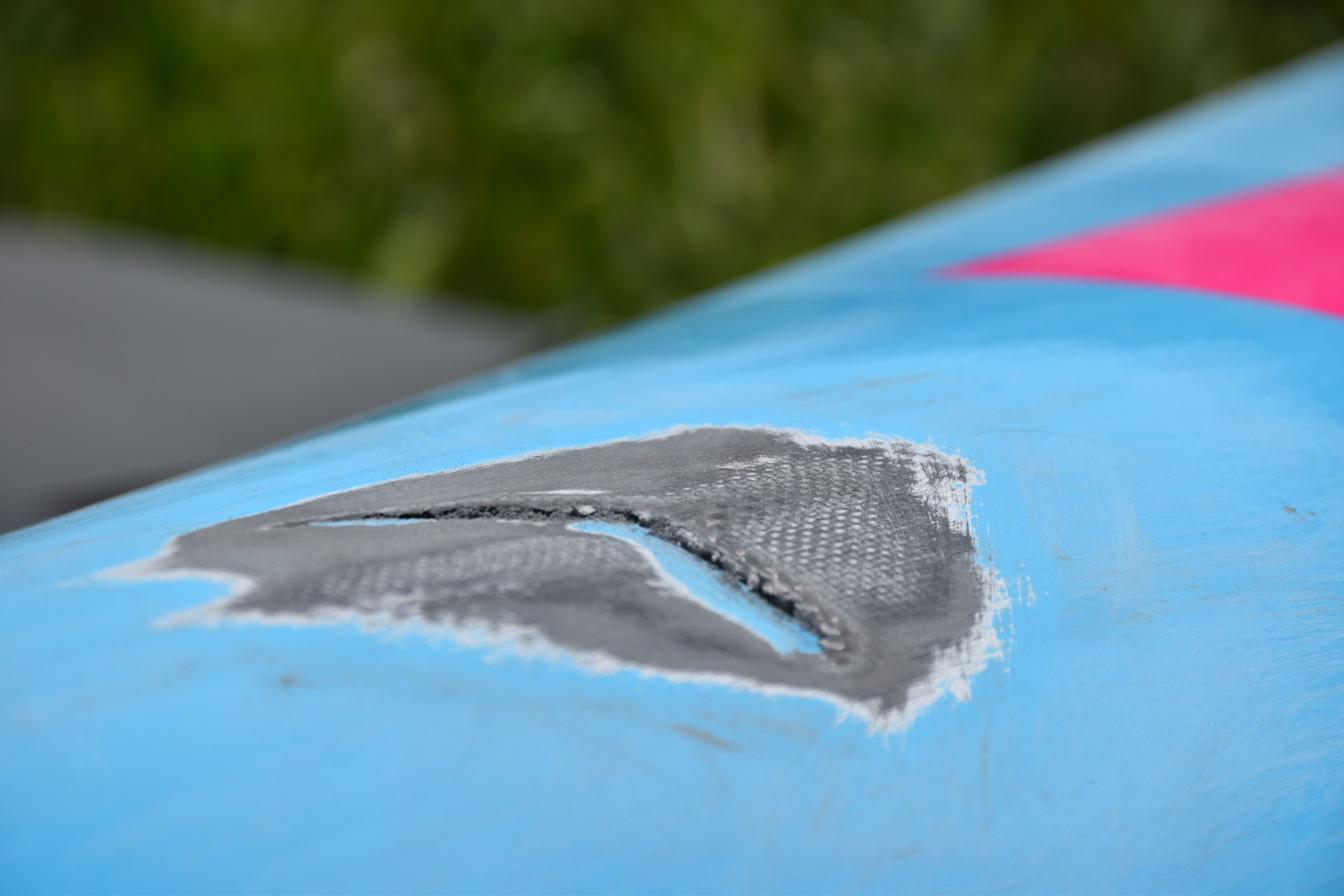 Fiberglass Embedded Graphics : Carbon race v paddleboard how i repaired cracks in